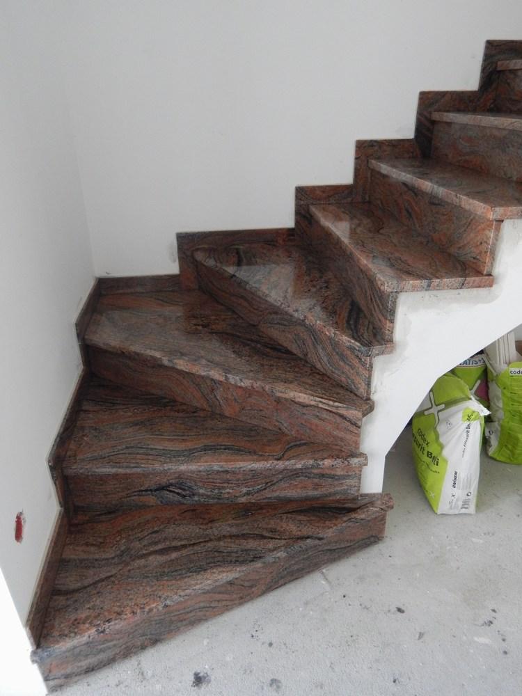 stufen treppen stein stufen aus granit treppe naturstein ausfertigung und montage bestpreise. Black Bedroom Furniture Sets. Home Design Ideas