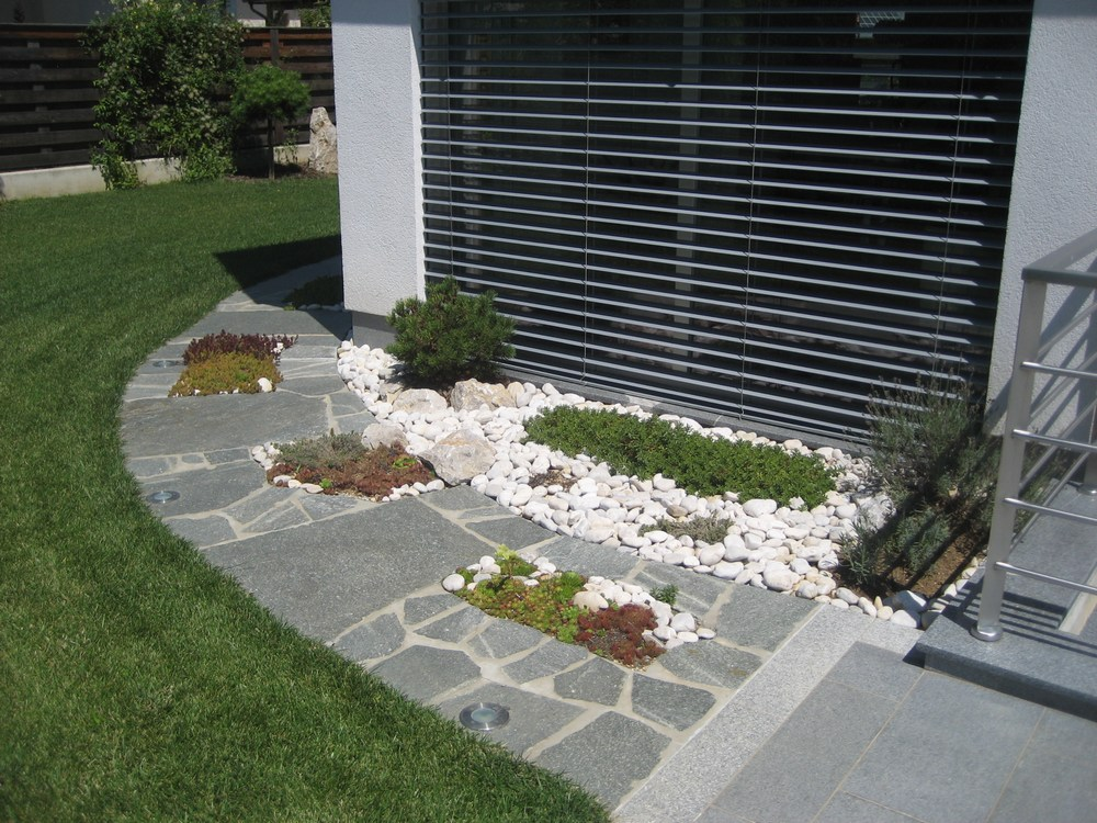 Terrasse poolumrandung und eingang von stein wir verlegen bodenbel ge aus granitplatten - Granitfliesen verlegen ...