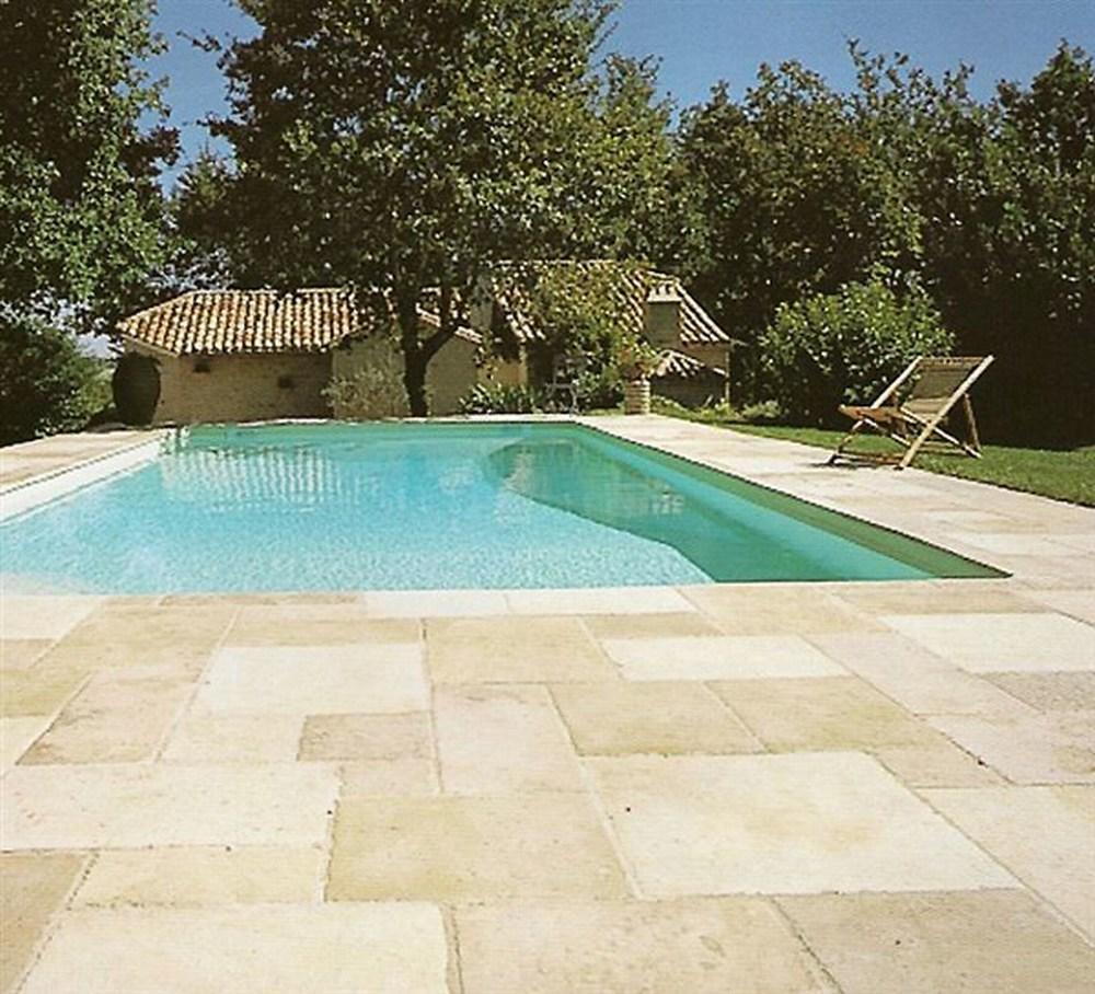 terrasse, poolumrandung und eingang von stein: wir verlegen